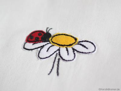 Marienkäfer auf Blume Doodle Stickdatei